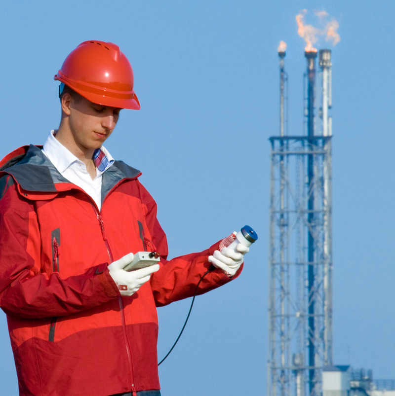 Hukseflux developed static as well as portable sensors for measurement of flare heat flux on oil platforms.